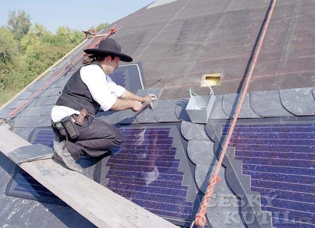 Střechy a střešní krytiny – 4. díl: Krytina ze solárních modulů