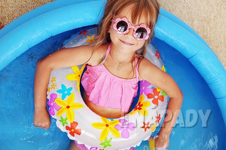 Dětský bazén pro nejmenší plaváčky (Zdroj: Depositphotos.com)