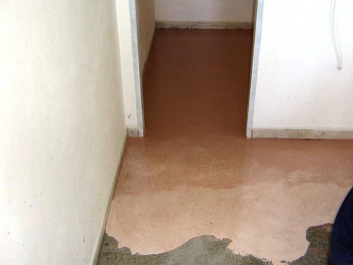 SINCOLOR RADÍ (1. část): Jak správně vybrat barvu pro podlahu v garáži, v dílně nebo ve sklepě