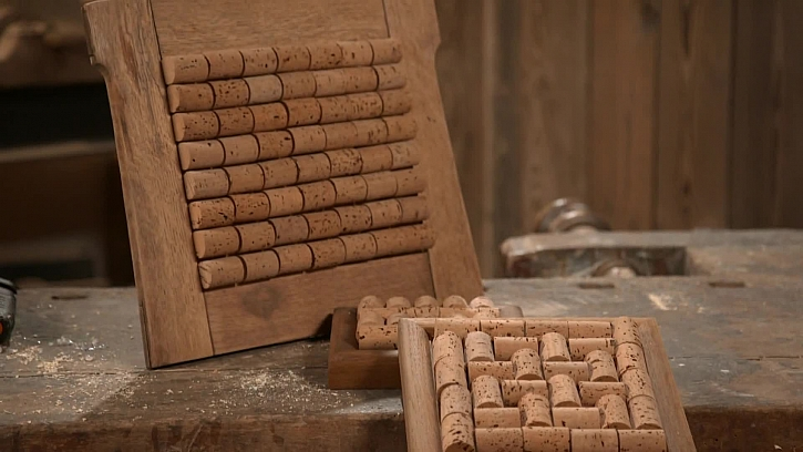 Výroba podložky pod hrnec z korku a fotorámečku