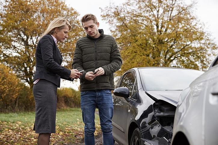 výměna pojistek u nabouraných aut