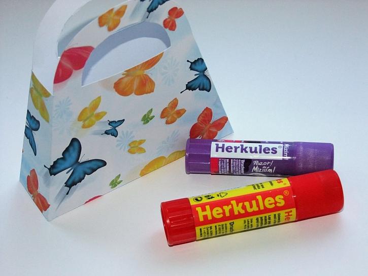 Výroba papírové dárkové tašky