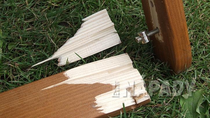 Mnoho typů zahradního nábytku používá kolíčkové spoje