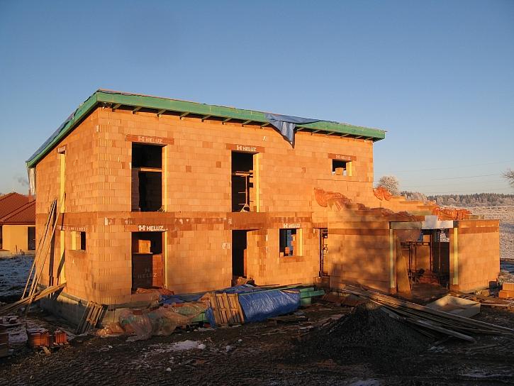 Dvoupodlažní dům
