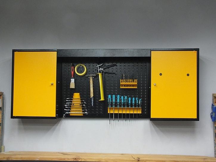 Horní skřínky a závěsný systém