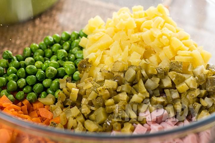 Kvalitní zavařená zelenina do bramborového salátu