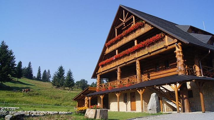 Penetrační lazura s olejem zajistí dlouhodobou ochranu dřeva (Zdroj: COLORLAK)