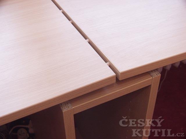 Pracovní stůl pro dva školáky