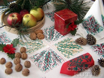 Vánoční ubrus technikou barevného soutisku z lina