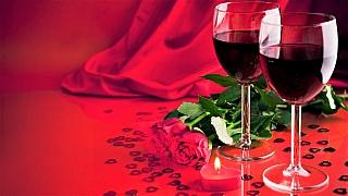 Nemáte chuť na sex? Co takhle dát si červené víno, bylinky a koření?