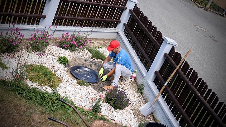 Výroba zahradního vodopádu z kamene krok za krokem