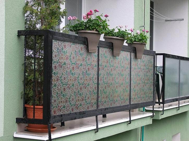 Jaro v paneláku? Místo zahrádky balkon nebo lodžie