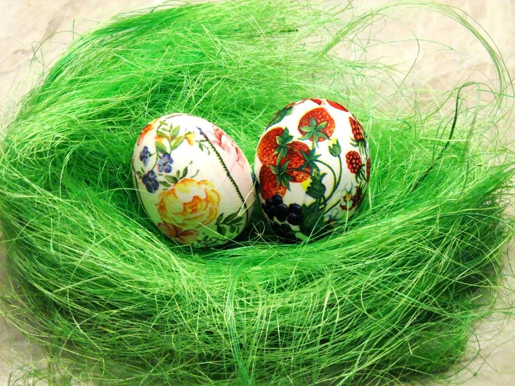 Decoupage patří i na velikonoční vajíčko