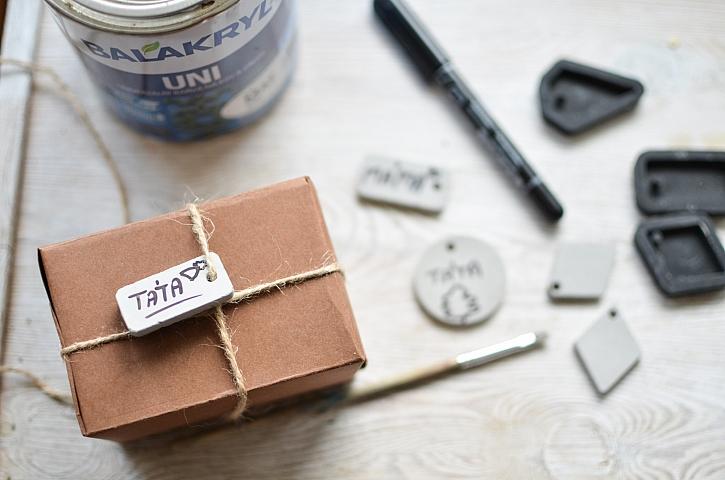 Betonové jmenovky na dárky