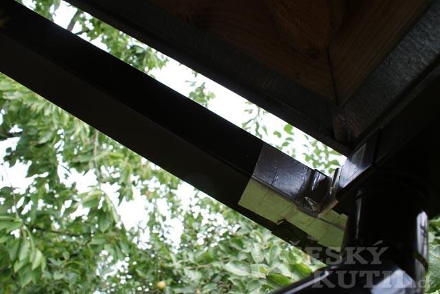 Univerzální lepící pásky tesa na opravy
