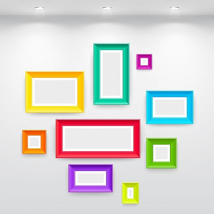 Barevné rámečky na fotografie jsou originální dekorace (Zdroj: Depositphotos)