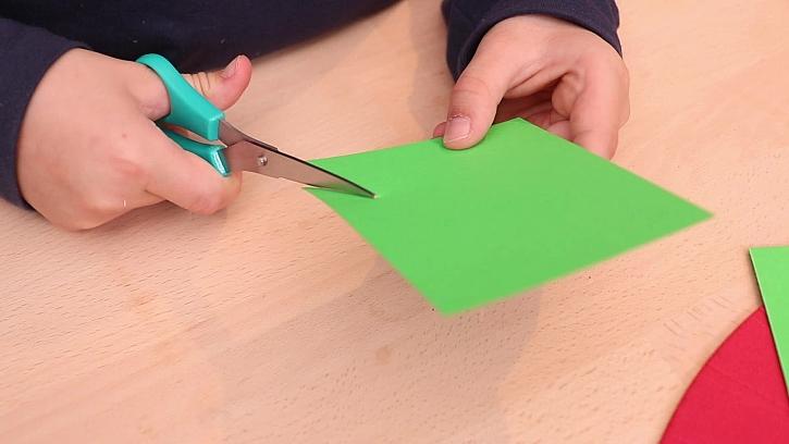Stříhání papíru