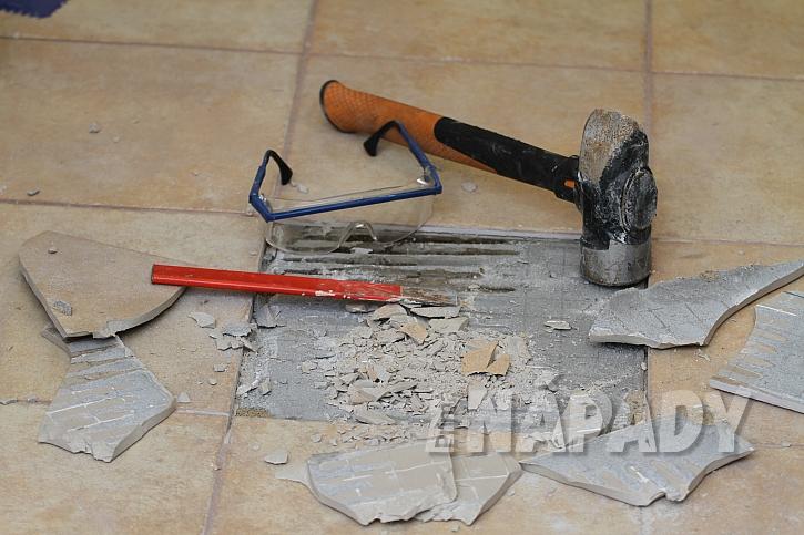 Výměna poškozené dlaždice 2