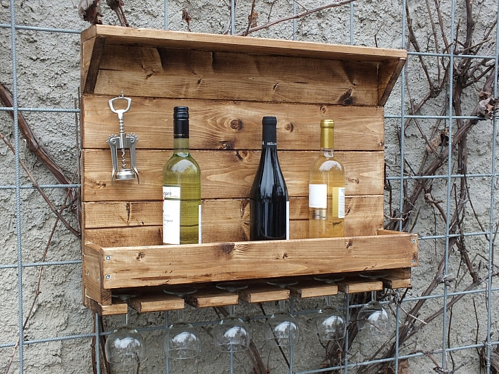 "Vyrobte si praktickou poličku na víno (Zdroj: Pavel ""Kutil"" Zeman)"