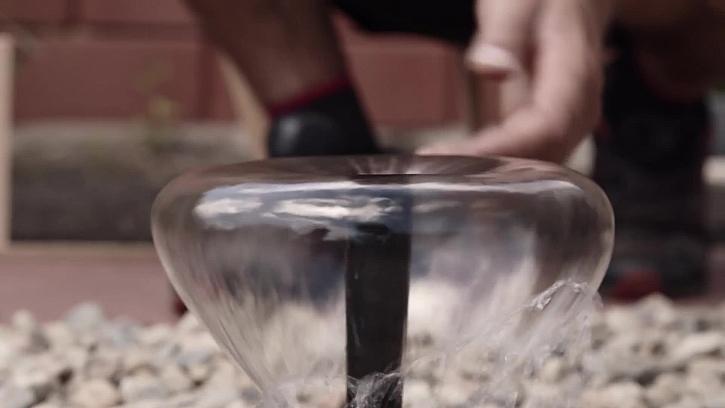 Jak vybudovat vodní fontánku v kamínkovém jezírku