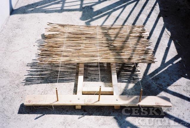 Výroba indiánského stavu na rákos