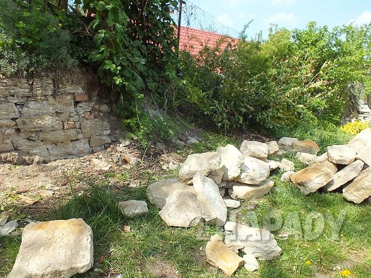 Kameny na stavbu suché zídky