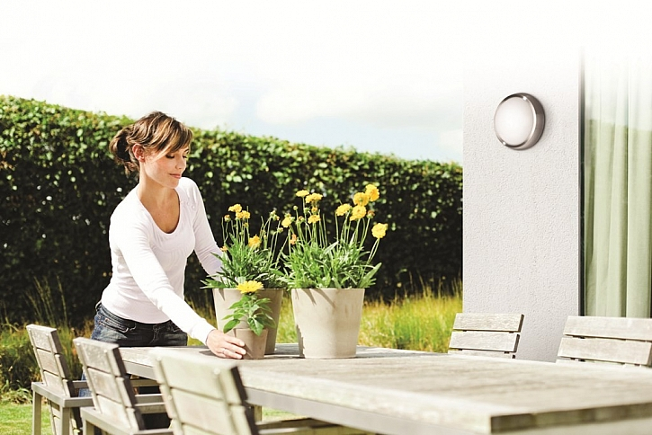Chcete si posedět na terase až do večerních hodin? Není problém, tma vás nevyžene