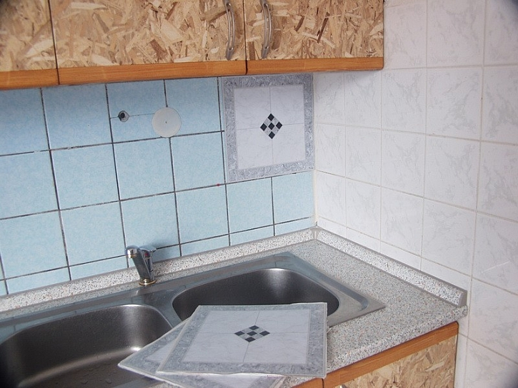 Renovace kuchyně za víkend a za babku - 3.díl