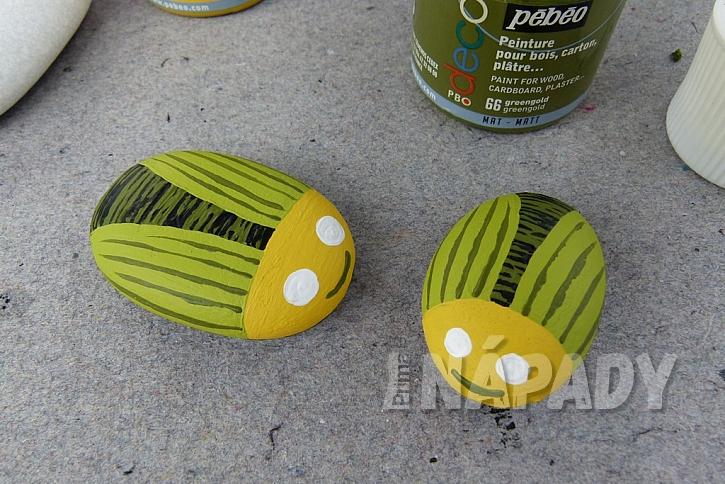 Broučci z oblázků aneb Jak vyrobit roztomilá těžítka na ubrus i dekoraci 6