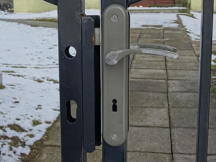 Antikutil - klíče, zámky, branky