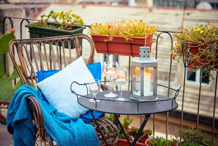 Na balkoně podzimní rostliny do truhlíku oživí a nahradí letničky (Zdroj: Depositphotos)