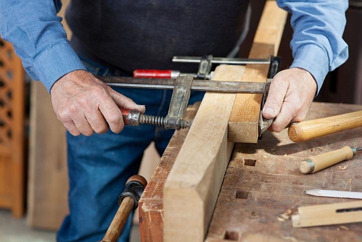 Dřevěné spoje je potřeba zafixovat