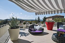 Zastínění terasy pro příjemné posezení v létě