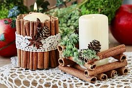 Vyrobte si podle našeho návodu jednoduchý svícen ze skořice