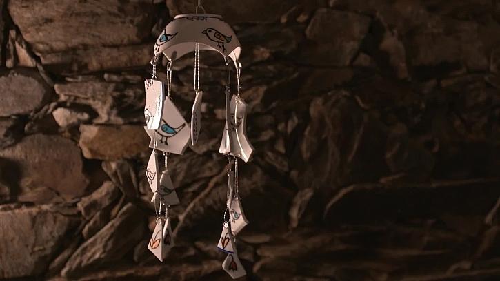 Co s rozbitým hrnečkem po babičce? Vyrobte z něj zvonkohru (Zdroj: archiv FTV Prima)