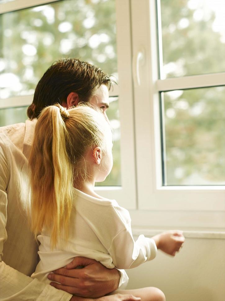 okno_otec a dcera_2_foto_zdroj_VEKRA