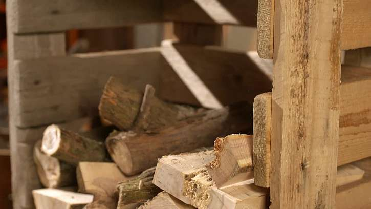 Vyskládání dřeva