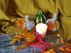 Při výrobě podzimní dekorace můžete zapojit do tvoření i děti