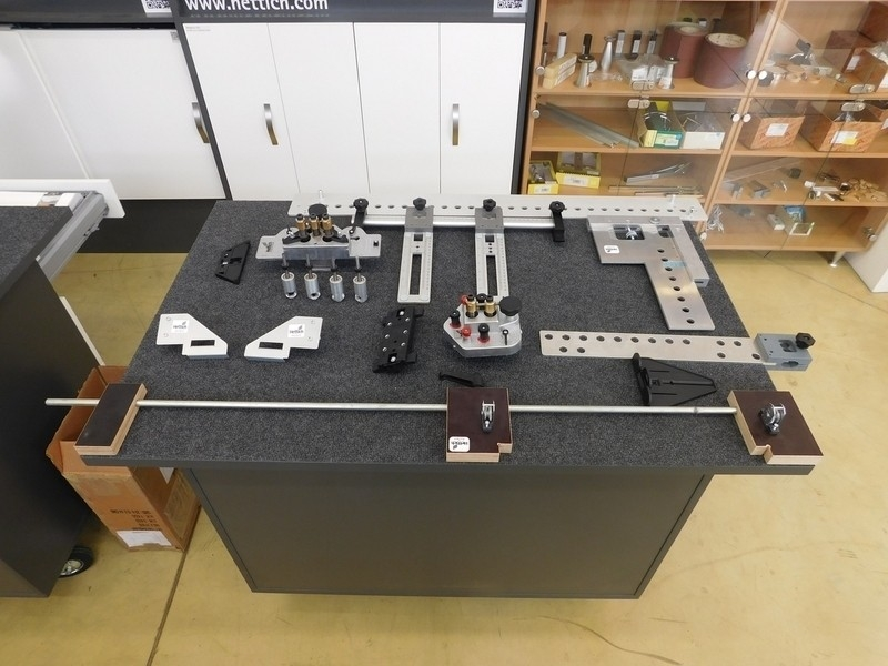 Výroba nábytku rychle, dobře a snadno s montážními pomůckami HETTICH