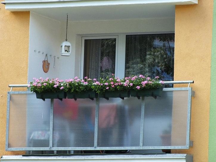 Jak zakrýt zábradlí balkonů