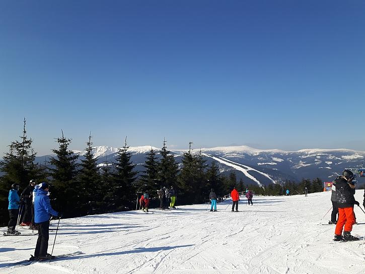 Každý účastník na horách by měl znát a dodržovat desatero lyžaře (Zdroj: Šárka Miškovská)