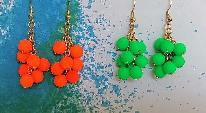 Náušnice můžete vyrobit v různých barvách