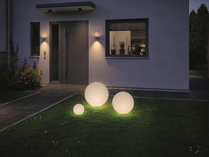 zahradní osvětlení cesty