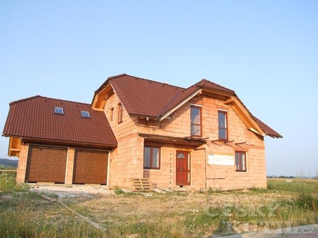 Střechy a střešní krytiny – 1. díl: i střechy jdou s dobou