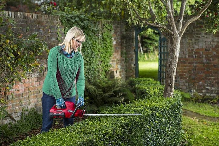 Celoroční péče o zahradu jde snadno i bez mozolů a bolavých zad