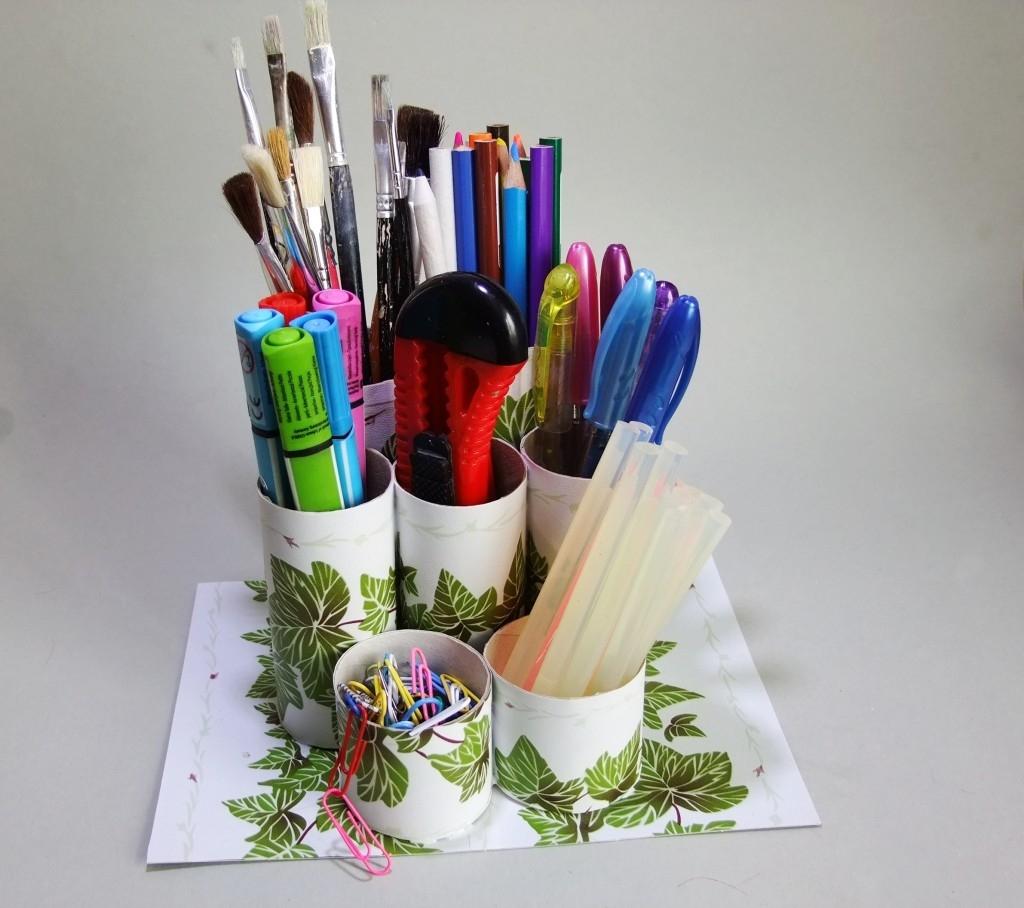 Stojan na tužky z recyklovaného materiálu