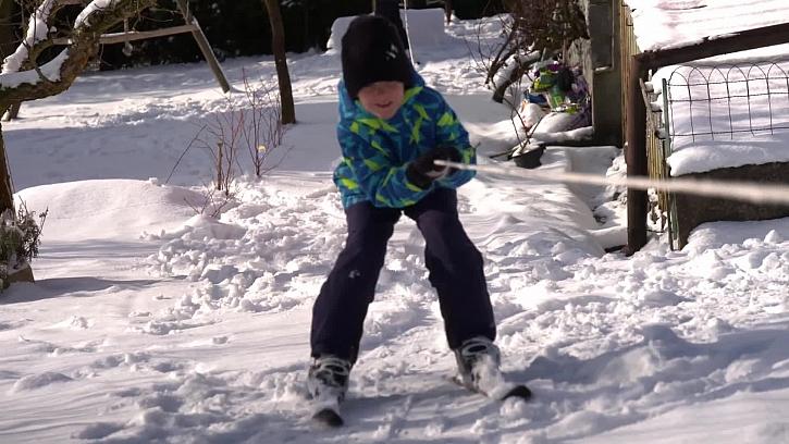 Dítě na lyžích