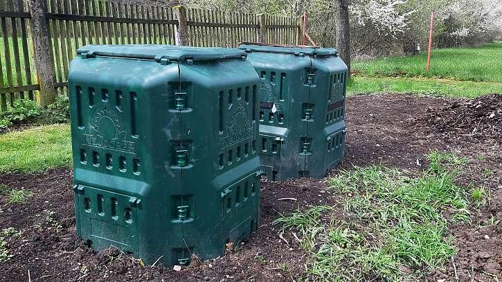 Plastový kompostér