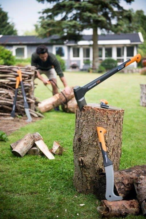 S Fiskarsem WoodXpert™ může být dřevorubcem každý