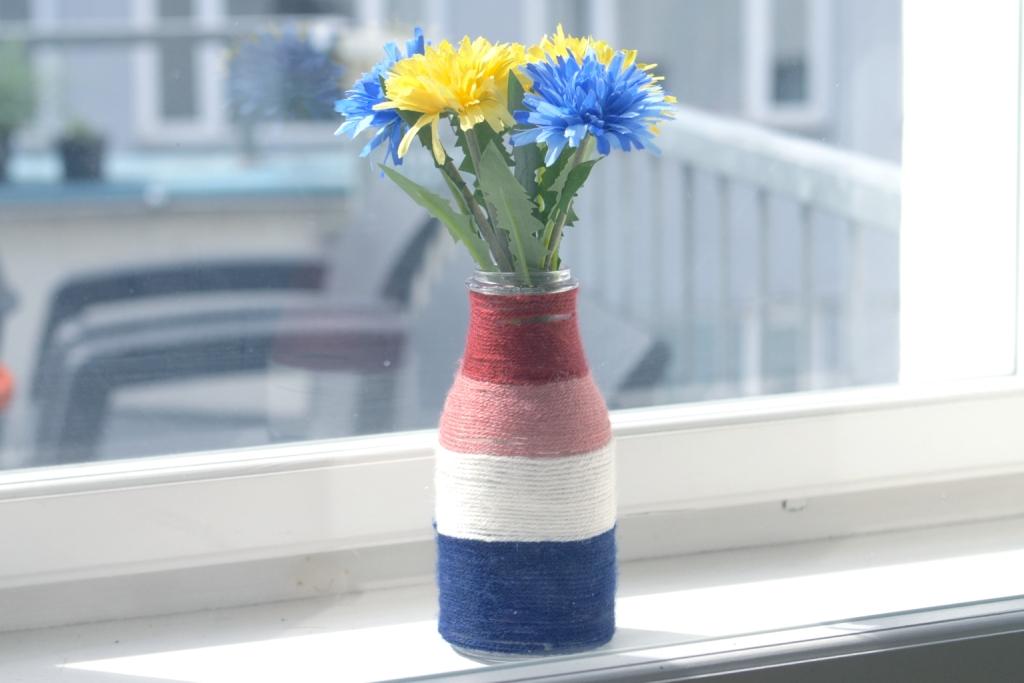 Barevná vlněná váza aneb Recyklace je vkurzu